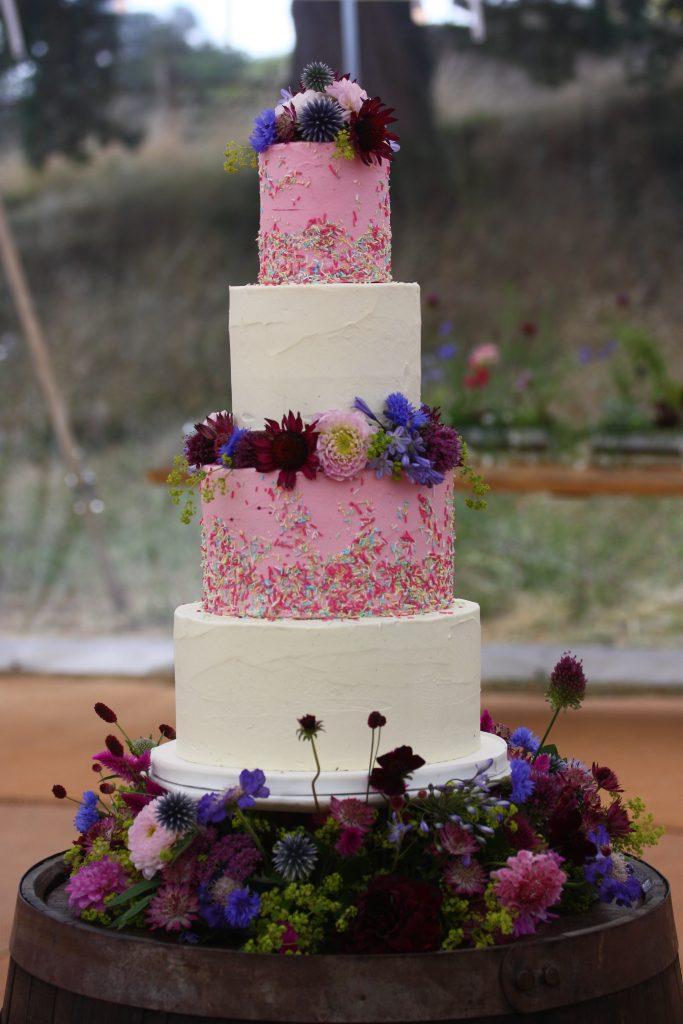 Cake flowers on a 4 tier cake