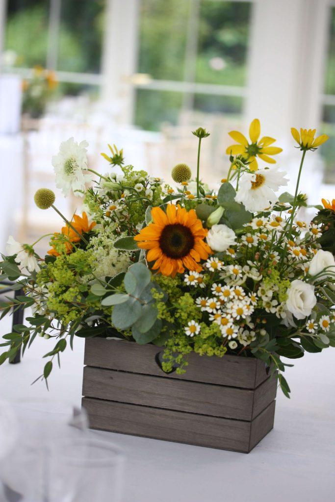 Sunflower summer tablecentre
